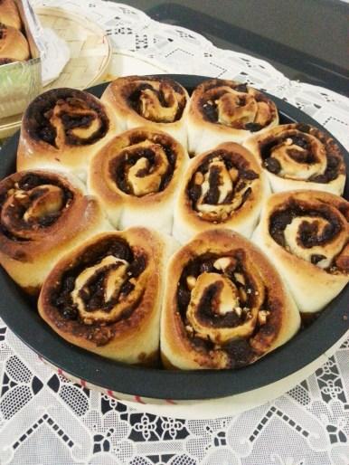 Freshly baked Gooey Cinnamon Rolls